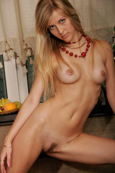 Erotic Beauty Sizzle Nicole B
