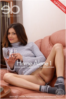 Erotic Beauty Home Alone 1 Divina A