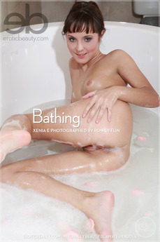 Erotic Beauty Bathing Xenia E