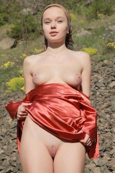 Erotic Beauty Presenting Milena Milena D
