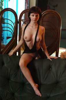 Erotic Beauty Shag Tamina