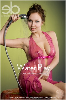 Erotic Beauty Water Play Kate